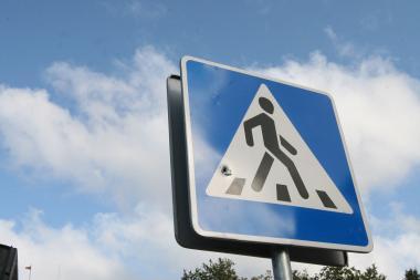Nukentėjo per pėsčiųjų perėją ėjusi moteris