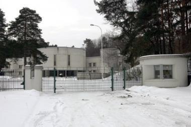 Rusų ambasadorius nusitaikė į sovietinius Svečių namus