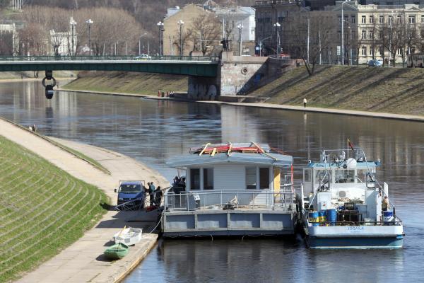Laivybą plės, bet upės negilins