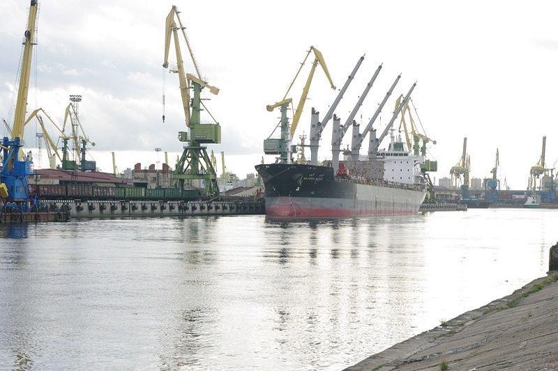 Rusijos    uostuose    krova   didėjo