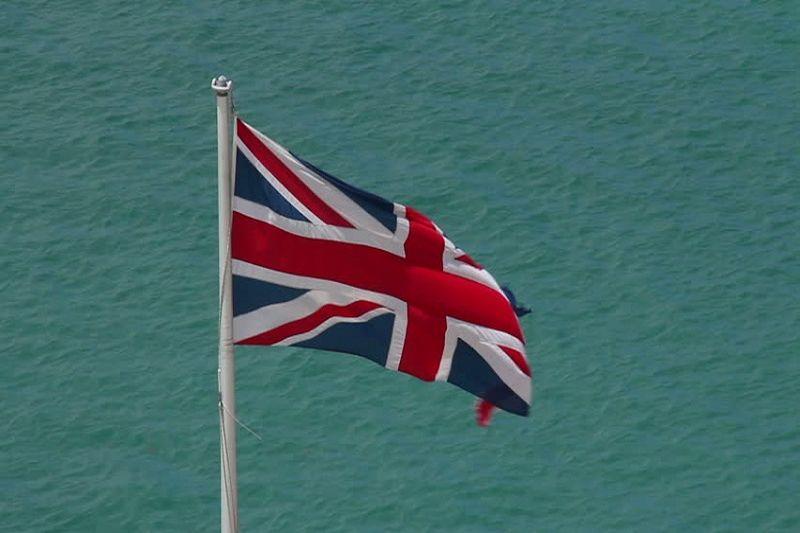 Britų jūrininkai stumiami iš  laivyno