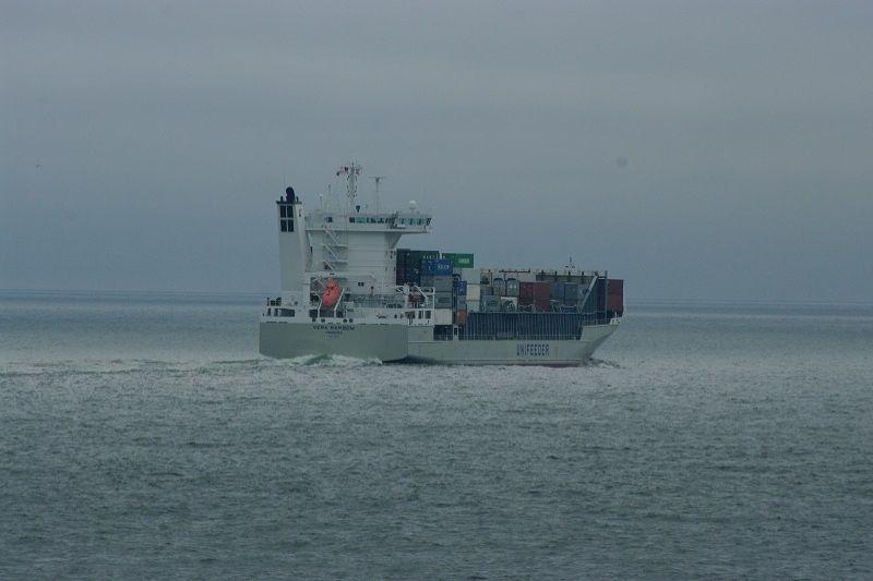 Keičiasi        laivų       stebėsena
