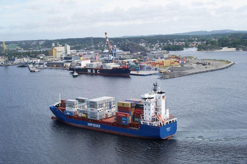 """""""Unifeeder"""" linijose bus daugiau laivų"""
