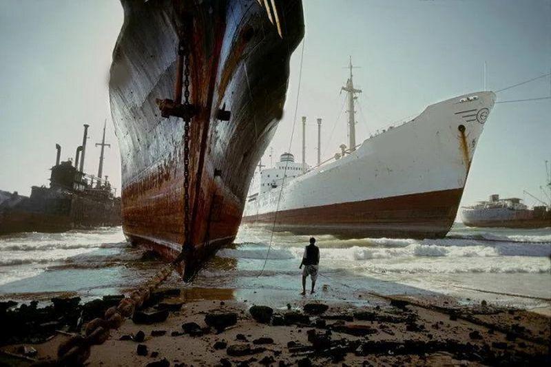 Vėl   daugėja  nebereikalingų   laivų