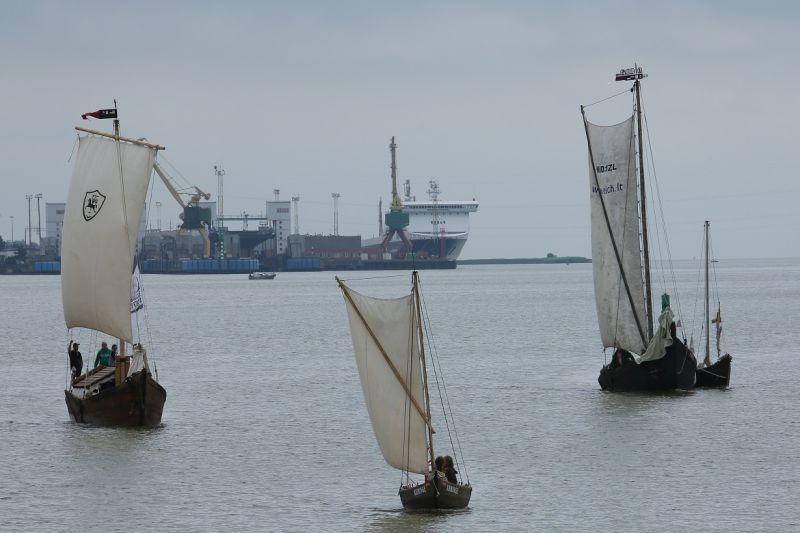Gausėja Lietuvos  istorinis  laivynas