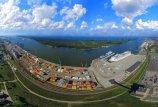 Klaipėdos     uostą    vejasi    Ryga
